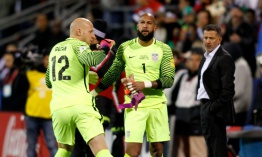 Guardameta Tim Howard descartado para partido eliminatorio EEUU-Costa Rica