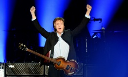 Paul McCartney demanda a Sony para recuperar los derechos de los Beatles