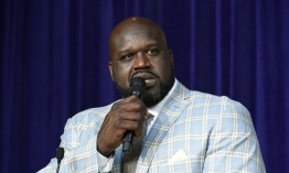 Revelan estatua de Shaquille O'Neal frente al Staples Center de Los Angeles